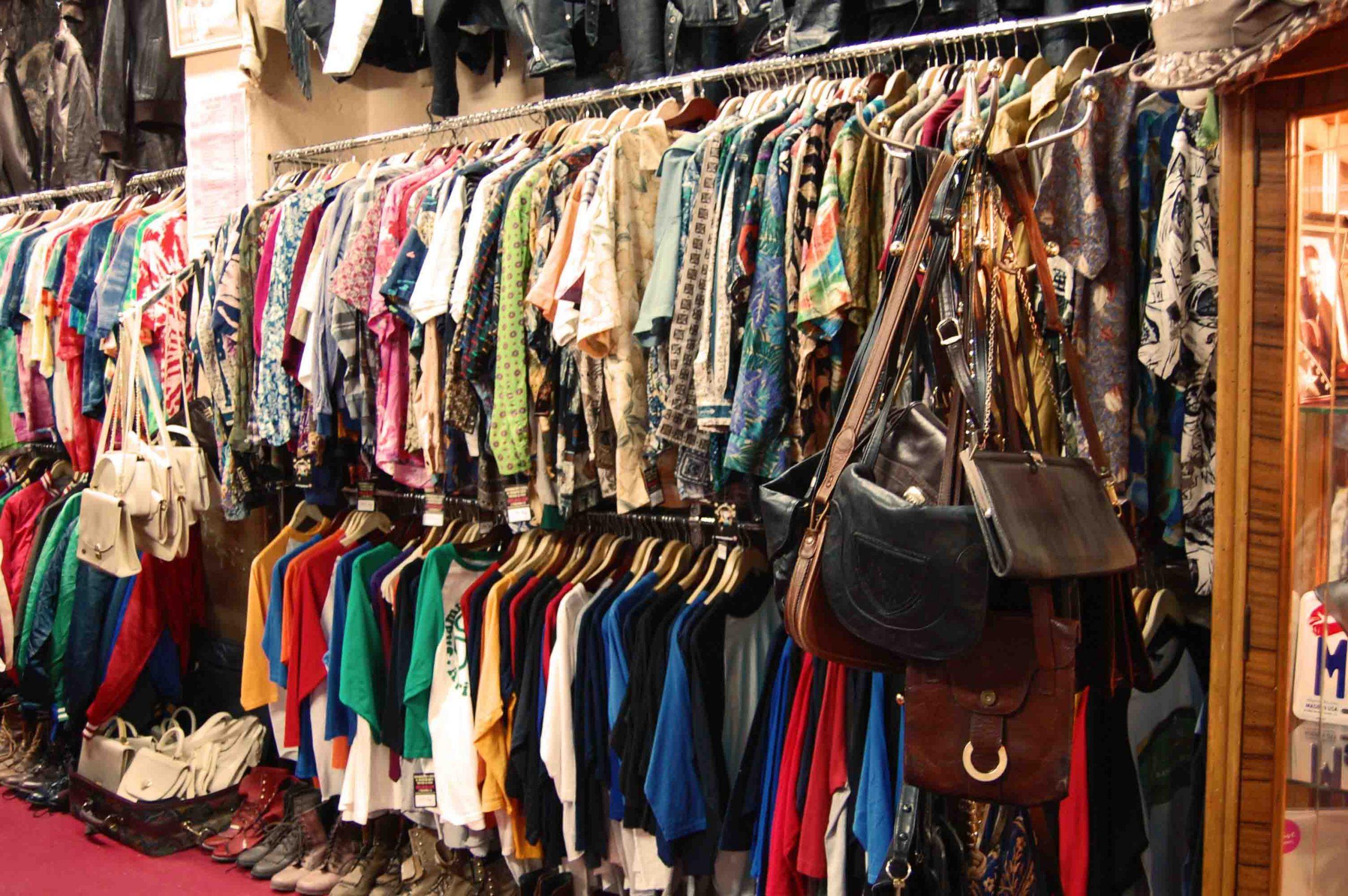 Bán quần áo second hand là cách kiếm tiền nhanh cho các bạn đam mê thời trang