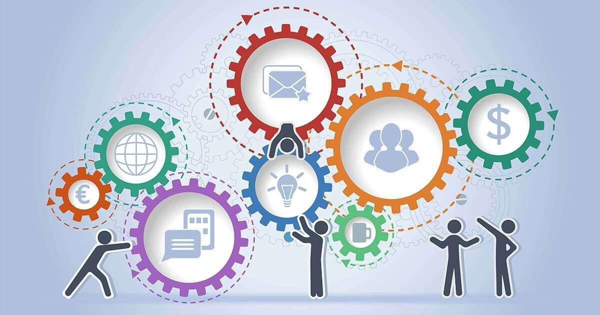 Chatbot còn có thể tích hợp thêm nhiều nền tảng khác như: CRM, phần mềm quản trị doanh nghiệp, phần mềm doanh nghiệp tự build