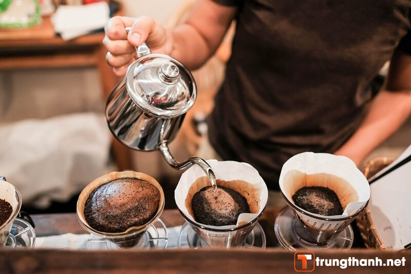 Nên lựa chọn nguyên liệu cafe kỹ càng khi mở quán cafe