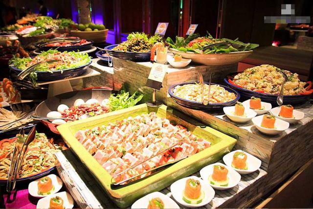 Một bữa ăn Buffet sẽ được tính theo suất với giá cố định